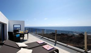 1st line luxury apartment Lanzarote
