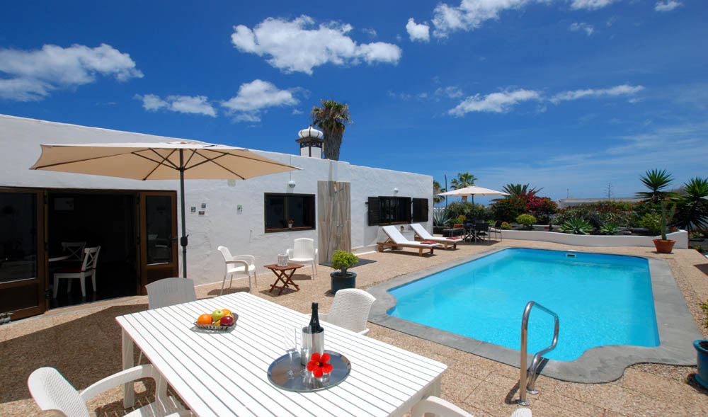 last minute offers Casa Azmira del Mar